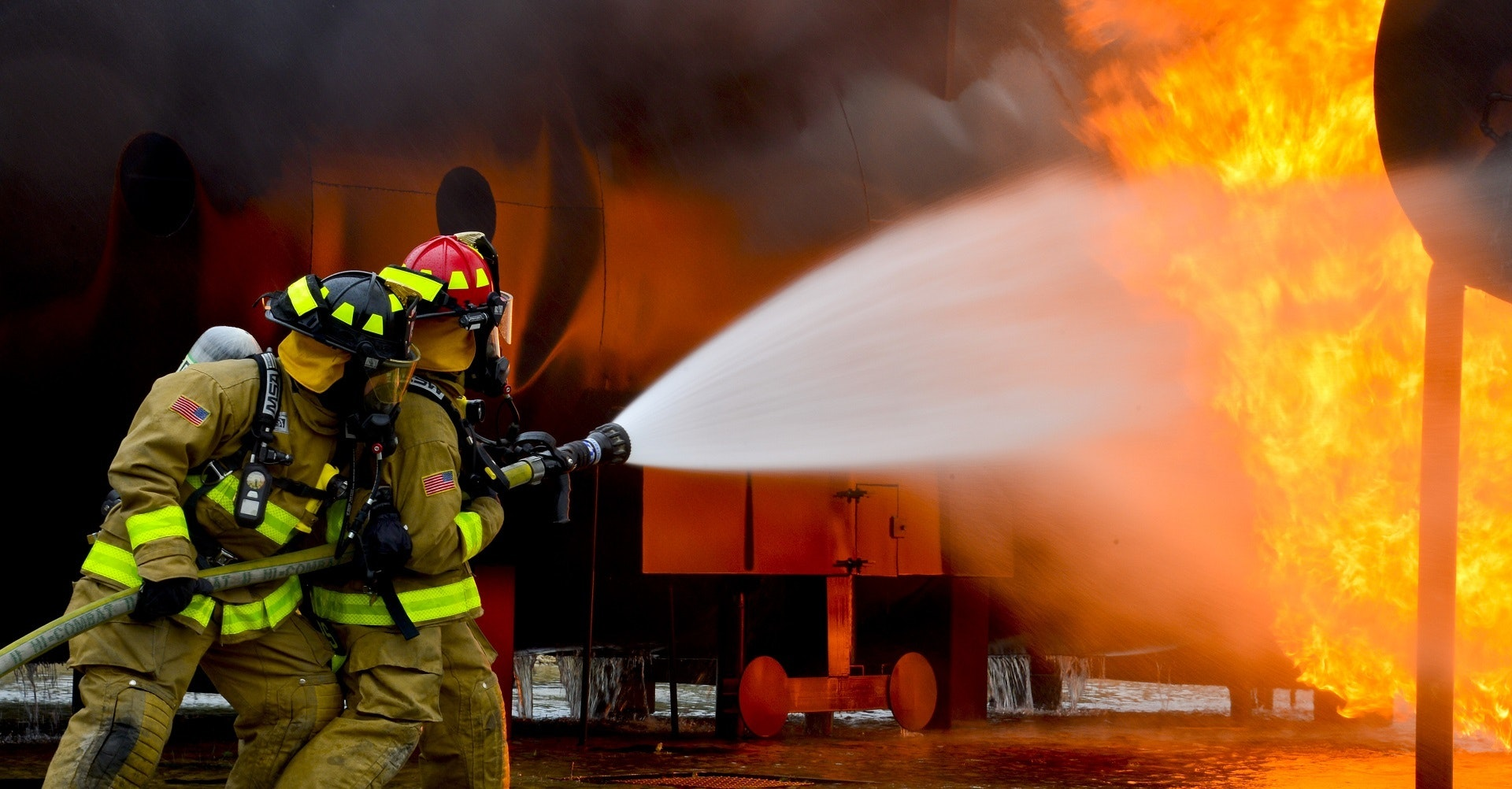 firefighters_spraying_fire_at_restaurant